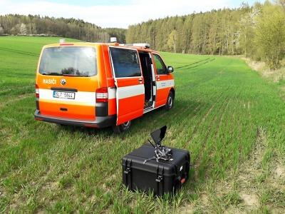 Po pohřešovaném seniorovi ve Studenci pátrají hasiči s kynology i dron