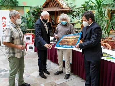 Kalendář Zaostřeno na Jizerky 2022 byl představen veřejnosti