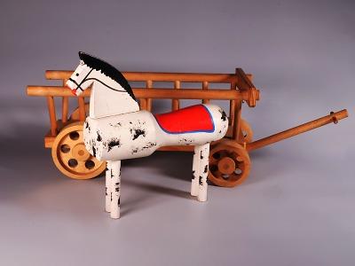 Česká dřevěná hračka aneb Radost a hra v proměnách času