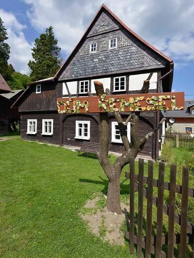 Dům řemesel v Kryštofově údolí je ukázkou lidové architektury