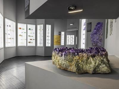 Exponát měsíce října v turnovském muzeu upoutá krásou ametystů