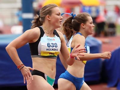 Bára Hůlková a Veronika Milotová startují na mistrovství Evropy dorostu
