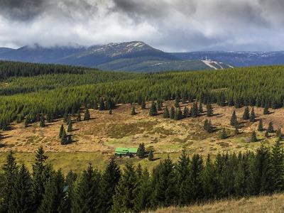 Poslanci volí: chránit přírodu nebo otevřít národní parky developerům?