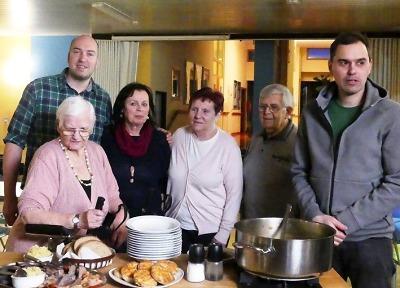 Kluci v akci vařili další díl v Domově důchodců v Rokytnici