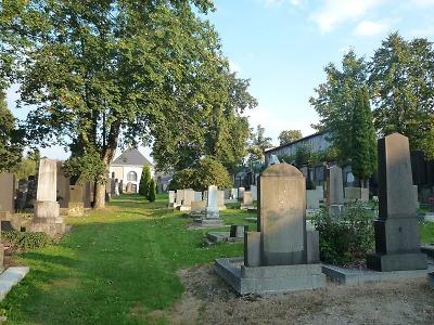 Židovský hřbitov v Liberci pomáhá opravit i Liberecký kraj