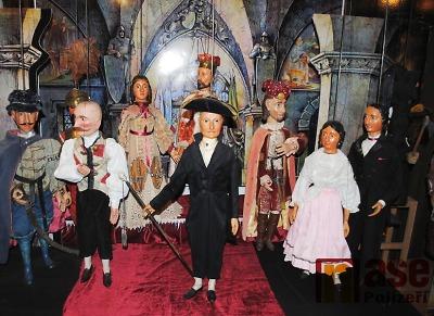 Semilské Majznerovy loutky tuto sobotu na Vltavě