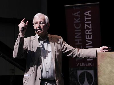 Nositel Nobelovy cen Lehn přednášel v Liberci o chemii života