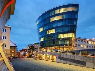 Rektorát a infocentrum Technické univerzity Liberec: směle a odvážně