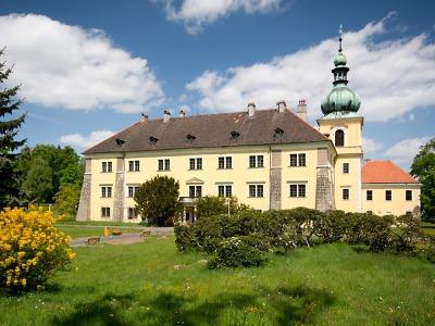 Na obnovu zámku Doksy přispěl Liberecký kraj za pět let víc než milion
