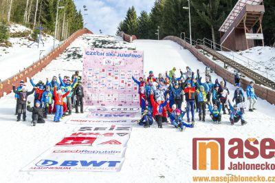 Obrazem: RKZ ve skoku na lyžích v Desné