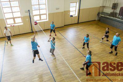 Obrazem: Volejbalový turnaj v sokolovně ve Zlaté Olešnici