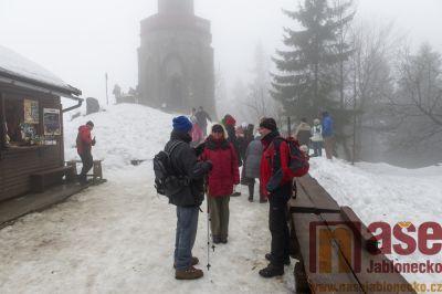 Obrazem: Tradiční novoroční výstup na Štěpánku v roce 2018