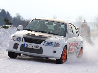 FOTO: Krkonošský pohár v autoskijöringu pokračoval v Roprachticích