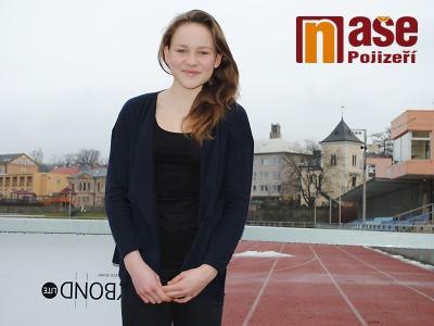 Bára Hůlková je českou šampionkou v pětiboji žákyň