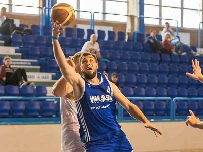Turnovští basketbalisté jsou po třech výhrách čtvrtí v tabulce