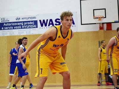Basketbalisté Turnova si připsali domácí vítězství sHradcem Králové