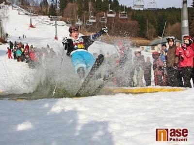 Obrazem: V Benecku se loučili s lyžařskou sezonou