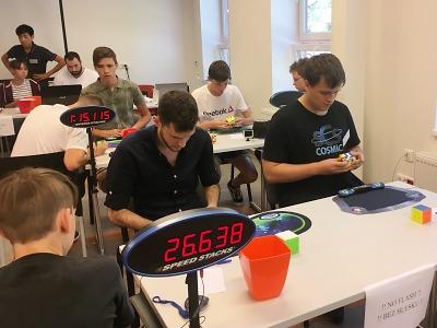 Speedcubeři poměří své rychlé ruce a mozkové závity v Liberci
