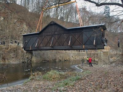 Unikátní most v Bystré bude kromě pěších opět sloužit i řidičům