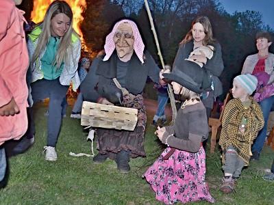 Fotoohlédnutí za pálením čarodějnic v Libštátě