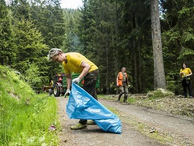 Krkonoše jsou opět čisté, odpadky sbíralo 200 dobrovolníků