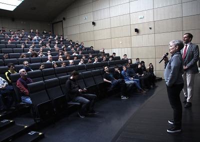 Dana Drábová přednášela libereckým studentům