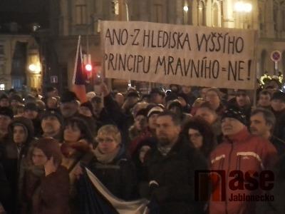 Demonstrace proti jmenování Ondráčka probíhala i v Liberci a Turnově