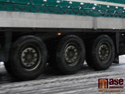 Kvůli očekávanému sněžení se uzavírá pro kamiony silnice na Harrachov