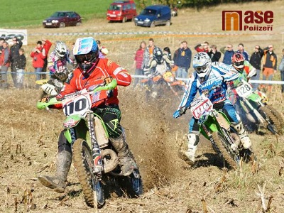 FOTO: Čtvrtého závodu enduro seriálu v Bozkově se účastnilo 308 jezdců