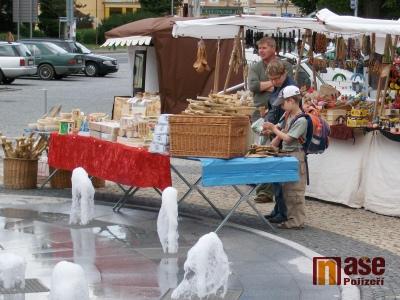 Farmářské trhy našly v Semilech místo u nové fontány