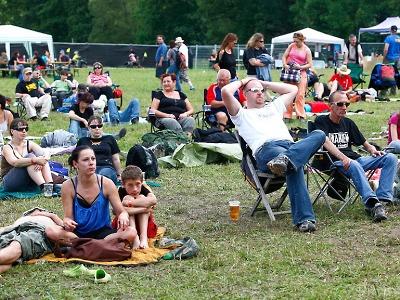 FOTO: Folkovou noc v Dolánkách navštívilo 1200 diváků