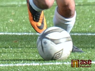 Odstartovaly zimní fotbalové turnaje v Lomnici