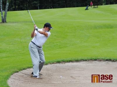 FOTO: Policejní turnaj v golfu nezmařila ani bouřka