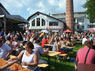 Harrachovské slavnosti kromě piva opět lákají na soutěže i hudbu