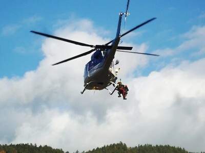 FOTO: Vrtulníky křižovaly údolím Jizery a Mohelky