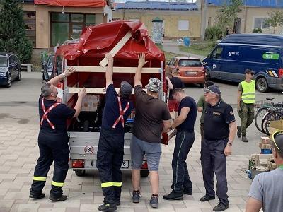 Hasiči z Libereckého kraje pomáhali šestý den na jižní Moravě