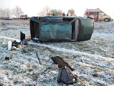 Ranní námraza komplikovala dopravu, bouralo se u Turnova i na Kozákově