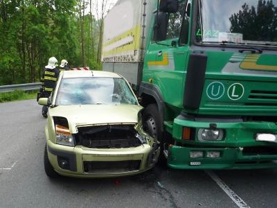 Nehoda v Dolánkách omezila ranní provoz