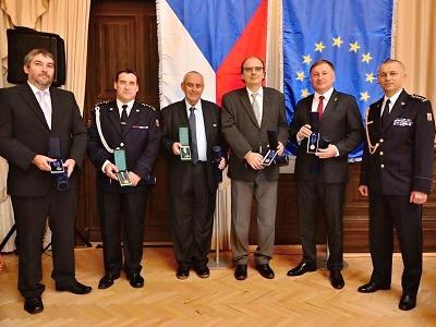 Nejvyšší ocenění si ve Zbirohu převzali i hasiči HZS Libereckého kraje
