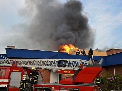 Hořela střecha jabloneckého bazénu. Škoda je půl milionu