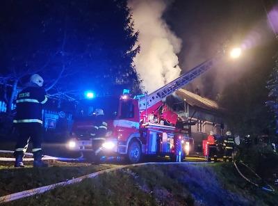 Hořel rodinný dům v Bozkově