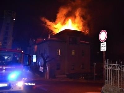 Bytový dům v Liberci zachvátily v noci plameny
