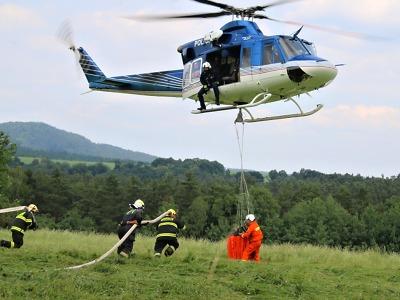 K požáru lesa na Českolipsku už vyjelo 20 jednotek hasičů