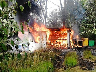 Hasiči kontrolují kvůli nebezpečí požárů kempy, chaty i zemědělce