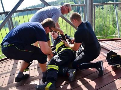 Vedro udělalo z hasičských závodů na lomnickém můstku extrém