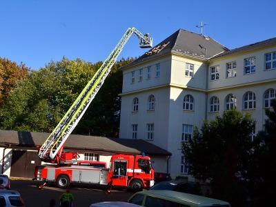 Při cvičném požáru v Jedličkově ústavu bylo zachráněno 40 dětí