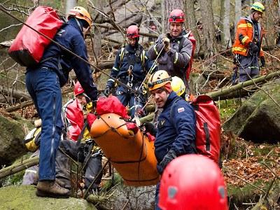 Hasiči - lezci absolvovali náročný výcvik na Riegrovce i v Jizerkách