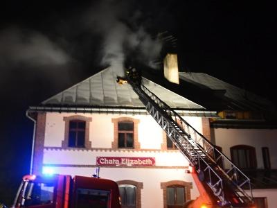 V Harrachově hořel penzion, škoda se odhaduje na dva miliony