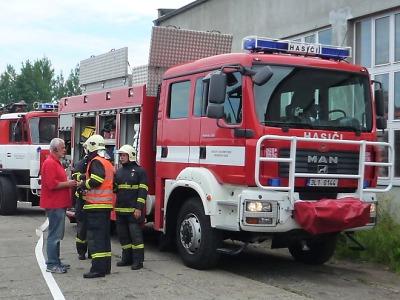 Požár ve výrobně dřevěných briket v Turnově hasiči včas zlikvidovali