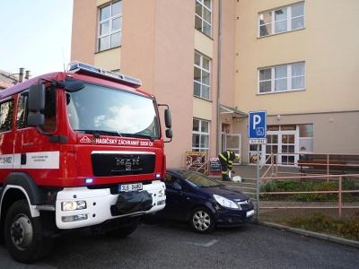 V Jilemnici uhořel muž v domě s pečovatelskou službou